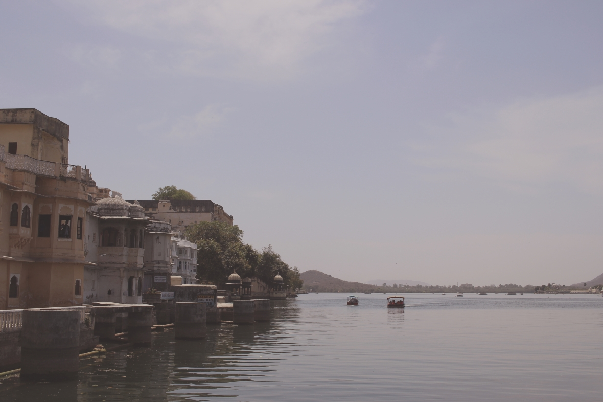 udaipur-lake-view
